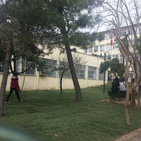 Photo taken at Zeynep Kamil Anadolu Sağlık Meslek Lisesi by Mmmmmmvc F. on 3/5/2015