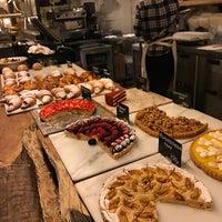 Снимок сделан в Remy Kitchen Bakery пользователем Владислава К. 7/19/2017