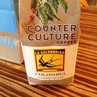 4/28/2012 tarihinde Jonathan V.ziyaretçi tarafından Caffe Streets'de çekilen fotoğraf