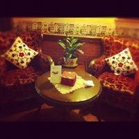 1/9/2013 tarihinde Ezgi Ç.ziyaretçi tarafından Cafe Rea'de çekilen fotoğraf