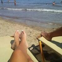 Photo taken at Ibiza Beach Bar by Ευαγγελία Τ. on 6/29/2014