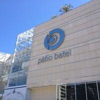 Foto tirada no(a) Pátio Batel por Rosa M. em 9/11/2013