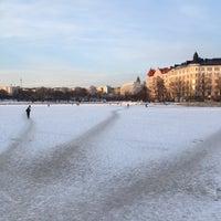 Das Foto wurde bei Kaisaniemenranta von Salla T. am 3/6/2018 aufgenommen