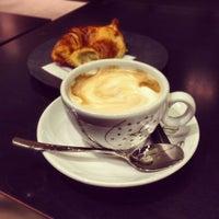 12/13/2012にFabio L.がVyTA Boulangerie Italianaで撮った写真