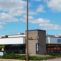 Photo taken at Quick Lane at Roseville Midway Ford by Quick Lane at Roseville Midway Ford on 6/12/2014