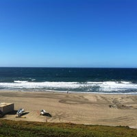 Photo taken at Torrance Beach by Chigusa M. on 12/26/2012