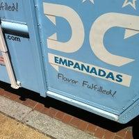 รูปภาพถ่ายที่ DC Empanadas โดย Omar M. เมื่อ 8/14/2013