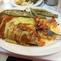 Photo taken at Tacos Los Tarascos by Rosa M. on 4/20/2014
