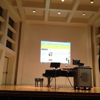 Foto tomada en Albert Simons Center for the Arts, College of Charleston  por Caro C. el 11/2/2013
