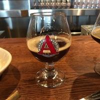 Foto tirada no(a) Avery Brewing Company por Tom H. em 4/13/2018