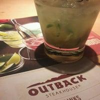 Foto tirada no(a) Outback Steakhouse por Juliana C. em 12/30/2016