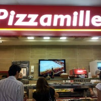 Photo taken at Pizzamille by Hélio B. on 5/13/2013