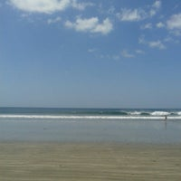 Photo taken at Beach Break hotel by Jahat T. on 3/7/2014