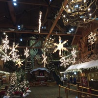 Photo taken at Cub Club at Great Wolf Lodge by John M. on 12/27/2015