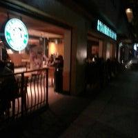 Foto tomada en Starbucks por Héctor Hugo R. el 11/23/2012