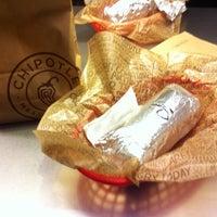 Photo prise au Chipotle Mexican Grill par Jeremy S. le10/15/2012