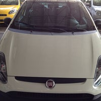 Photo taken at Domani Fiat by Josemar A. on 8/14/2013