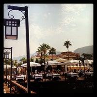Photo prise au Ambiance Restaurant par Özkan İ. le9/30/2012