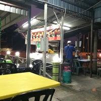 Photo taken at O.M.G Burger Bakar by Muhammad F. on 6/20/2014