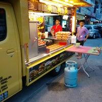 Photo taken at Abang & Adik Burger by Khoon H. on 10/23/2014