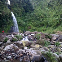 Photo taken at @Air Terjun Guci by Gigih F. on 7/8/2013