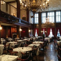 Foto tirada no(a) Harvard Club of New York City por Usewordswisely em 11/7/2012