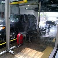 4/23/2014にWayne A.がMister Car Washで撮った写真