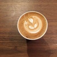 Foto tirada no(a) Toby's Estate Coffee por Eunice M. em 1/27/2017