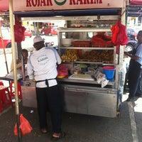 Photo taken at Rojak Karim Dan Cendol by Sir N. on 1/23/2013