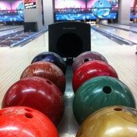 1/26/2013 tarihinde Ebru A.ziyaretçi tarafından Rolling Ball Bowling'de çekilen fotoğraf