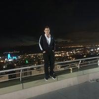 Photo taken at Nish Adalar Balkon by Isa Ö. on 9/25/2016