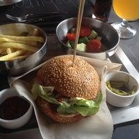 Снимок сделан в The Burger пользователем Инна М. 8/16/2014