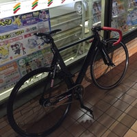 Photo taken at 7-Eleven by らい さ. on 8/6/2015