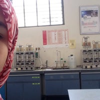Photo taken at Food Analysis Lab by Najwa Y. on 11/17/2015