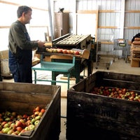 Photo taken at Obstbaum Orchards & Cider Mill by Eric Y. on 10/25/2013
