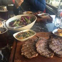 Foto tirada no(a) Boğa Kasap Steakhouse por Berkhan K. em 10/25/2015