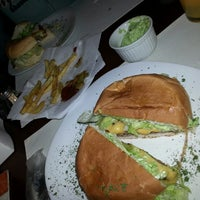 Photo taken at Mix Burguer by Erica T. on 7/16/2013