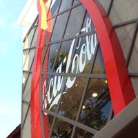 Foto tirada no(a) Casa Coca-Cola por Beatriz G. em 6/27/2014