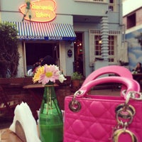 Foto tirada no(a) Barbarella Bakery por Karla K. em 5/26/2013