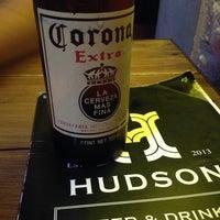 Foto tomada en Hudson Bar por Rodolfo B. el 6/23/2014