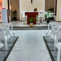Photo taken at Capela de Santa Luzia - Trairussu by Inásio C. on 12/8/2014
