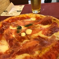 Photo taken at Antica Pizzeria e Ristorante Port'Alba by Giulio R. on 3/19/2017