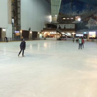 Снимок сделан в Ледовая Арена / Каток Шато Ледо пользователем 👑Esik O. 12/9/2016