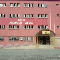 Photo taken at Batman Fatih Anadolu Lisesi by Tuba T. on 1/10/2017