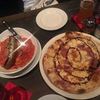 Photo taken at Pizza Rock by Yeji K. on 8/6/2017