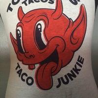 Foto tirada no(a) Torchy's Tacos por Clifton M. em 4/2/2016