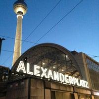 Das Foto wurde bei Alexanderplatz von uzitt am 8/5/2013 aufgenommen