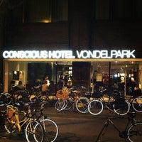 Foto diambil di Conscious Hotel oleh Dmitry pada 1/12/2013