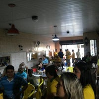 Photo taken at 1° Round Gourmet by Carlos Raphael A. on 7/4/2014