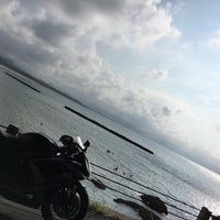 Photo taken at 夕日ヶ浦海岸 by 番長 ゆ. on 8/20/2016